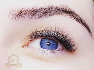 Benefits of eyelashes extensions